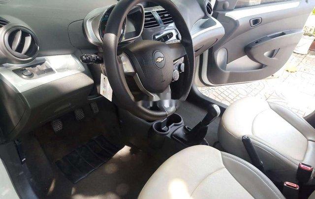 Bán Chevrolet Spark đời 2016, màu trắng10