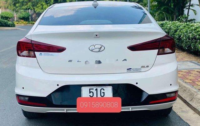 Cần bán lại xe Hyundai Elantra năm 2019, màu trắng 4