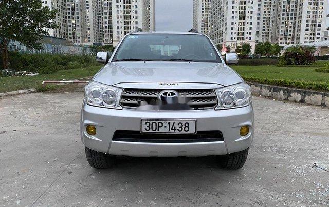 Cần bán xe Toyota Fortuner 2009, màu bạc0