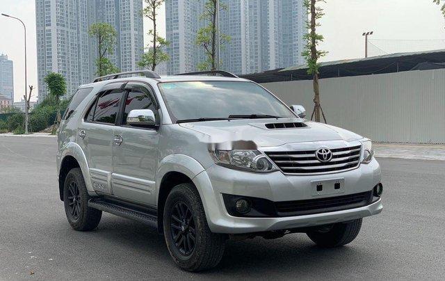 Bán Toyota Fortuner năm 2014, màu bạc số sàn, 655tr6