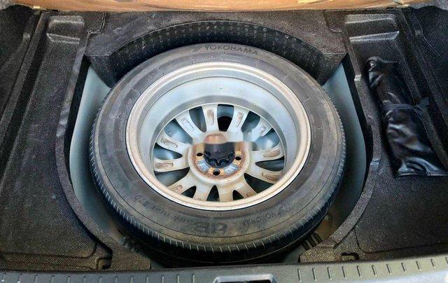 Bán Toyota Vios đời 2012, màu bạc số sàn, giá chỉ 305 triệu10