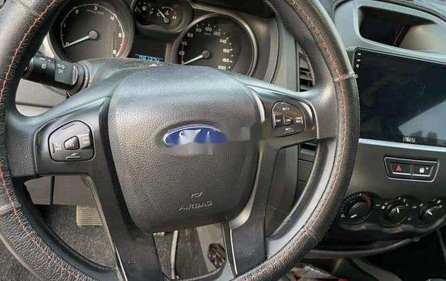 Cần bán xe Ford Ranger sản xuất năm 2017, màu trắng, nhập khẩu, giá tốt7