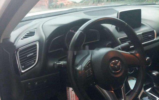 Bán Mazda 3 năm 2016, màu trắng chính chủ3