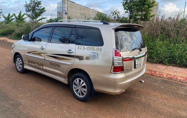 Bán Toyota Innova đời 2015, màu vàng cát, giá 405tr6