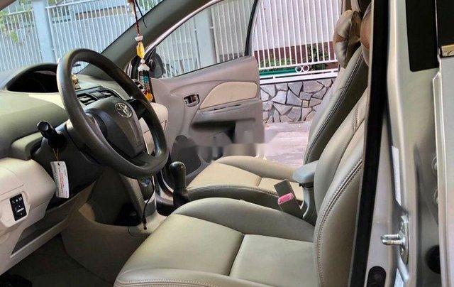 Bán Toyota Vios đời 2012, màu bạc số sàn, giá chỉ 305 triệu6
