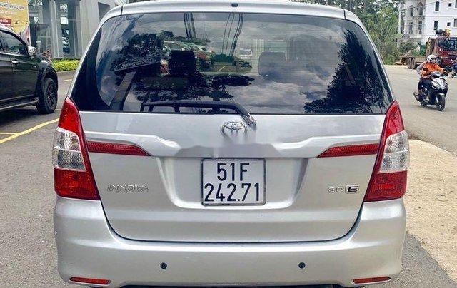 Bán Toyota Innova 2015, màu bạc, có bảo hành5