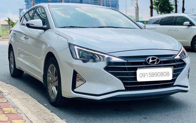 Cần bán lại xe Hyundai Elantra năm 2019, màu trắng 0