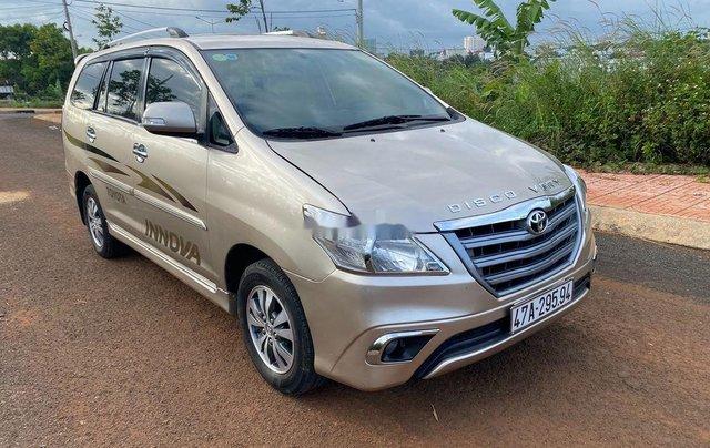 Bán Toyota Innova đời 2015, màu vàng cát, giá 405tr0