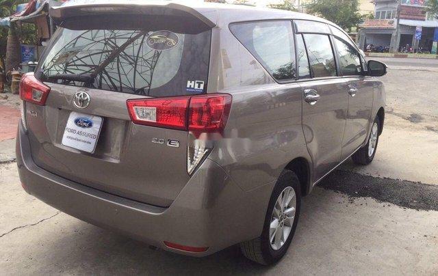 Bán Toyota Innova năm 2018, màu nâu số sàn6