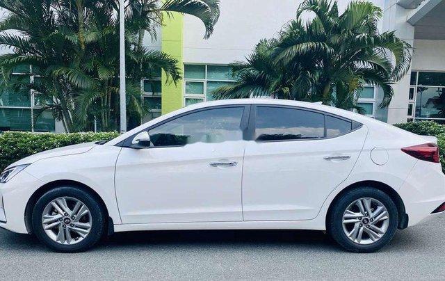 Cần bán lại xe Hyundai Elantra năm 2019, màu trắng 11