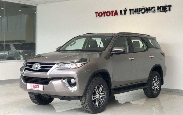 Bán Toyota Fortuner năm sản xuất 2020, số tự động, màu ghi xám6