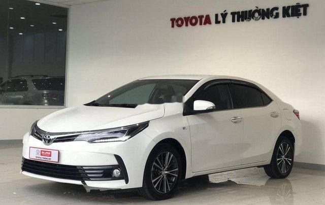 Bán ô tô Toyota Corolla Altis đời 2017, màu trắng như mới, 690tr6