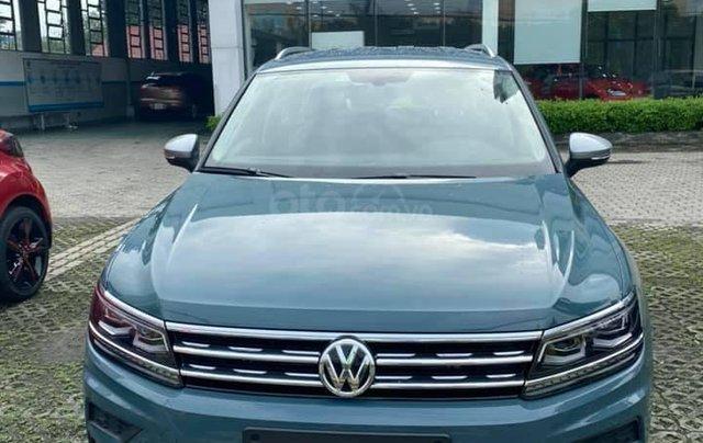 Cần bán nhanh với giá ưu đãi nhất chiếc Volkswagen Tiguan AllSpace sản xuất năm 2020, giao nhanh0