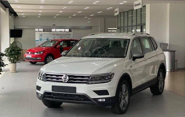 Bán gấp với giá ưu đãi chiếc Volkswagen Tiguan Allspace sản xuất năm 20202
