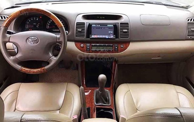 Bán xe Toyota Camry năm sản xuất 2004, màu đen còn mới, 295tr1