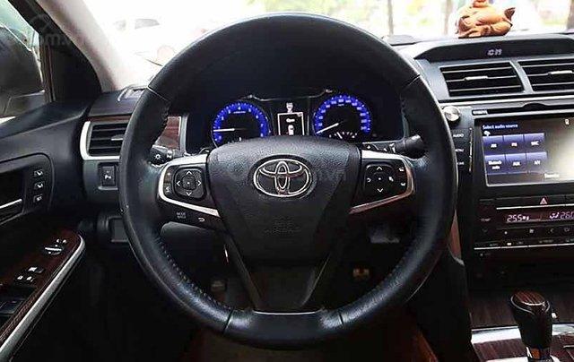 Bán Toyota Camry năm sản xuất 2018, màu trắng còn mới3