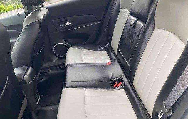 Cần bán lại xe Chevrolet Cruze năm sản xuất 2017, màu bạc còn mới, 432tr3