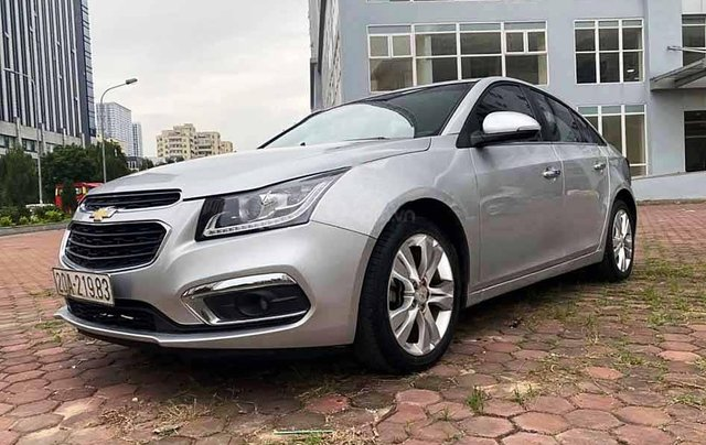 Cần bán lại xe Chevrolet Cruze năm sản xuất 2017, màu bạc còn mới, 432tr0