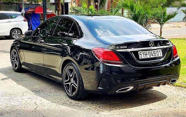 Bán xe Mercedes C class năm sản xuất 2019, màu đen còn mới1