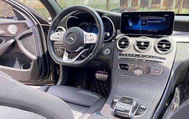 Bán xe Mercedes C class năm sản xuất 2019, màu đen còn mới2