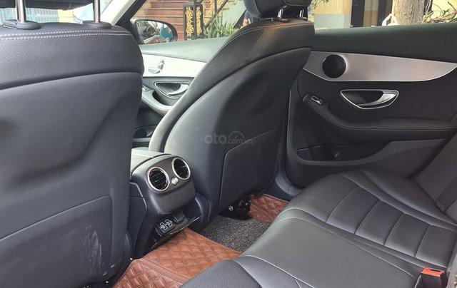 Cần bán gấp với giá ưu đãi nhất chiếc Mercedes-benz C180 đời 2020, xe mới hoàn toàn, siêu lướt5