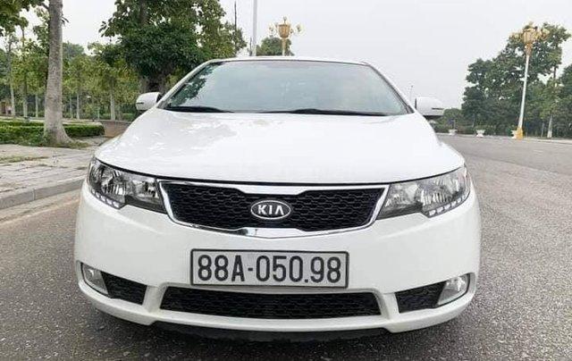 Cần bán xe Kia Forte EX 2013, số sàn, màu trắng0