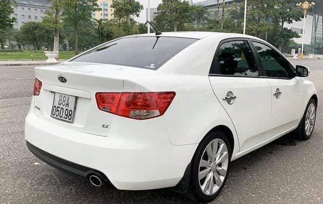 Cần bán xe Kia Forte EX 2013, số sàn, màu trắng3