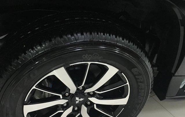 Mua xe giá thấp chiếc Mitsubishi Pajero Sport 4x2 MT sản xuất năm 2020, giao nhanh3