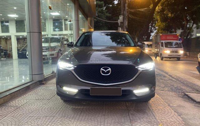 Chính chủ bán Mazda CX5 Skyactive 2.5L, biển đẹp, màu nâu xám, đăng ký 12/2017, mới lăn bánh 37000km0