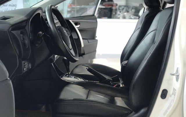Bán ô tô Toyota Corolla Altis đời 2017, màu trắng như mới, 690tr5