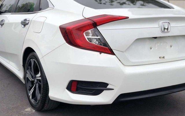 Cần bán xe Honda Civic năm 2017, màu trắng, xe nhập 10