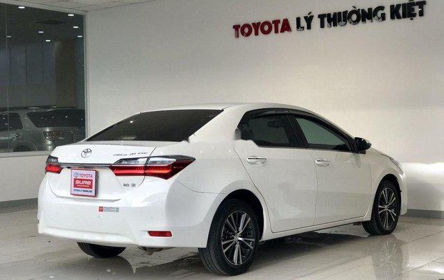 Bán ô tô Toyota Corolla Altis đời 2017, màu trắng như mới, 690tr8