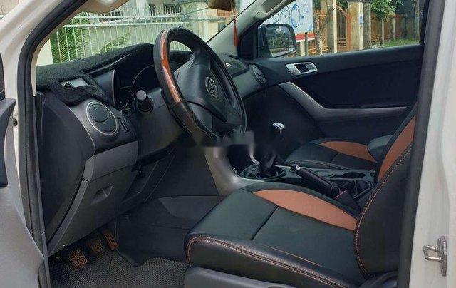 Bán Mazda BT 50 đời 2016, màu trắng, nhập khẩu số sàn4