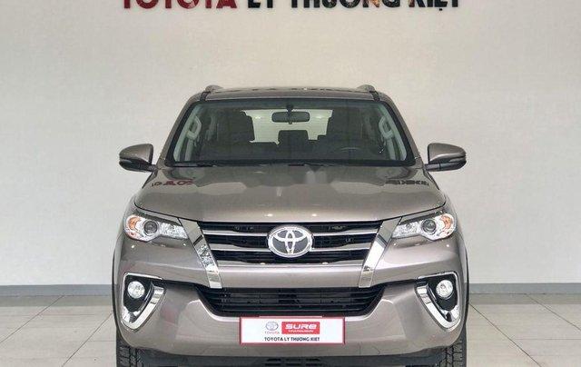 Bán Toyota Fortuner năm sản xuất 2020, số tự động, màu ghi xám0