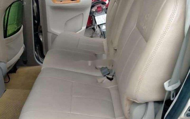 Bán Toyota Innova sản xuất 2012, màu vàng chính chủ, giá tốt3