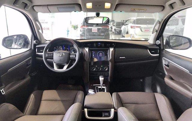 Bán Toyota Fortuner năm sản xuất 2020, số tự động, màu ghi xám3
