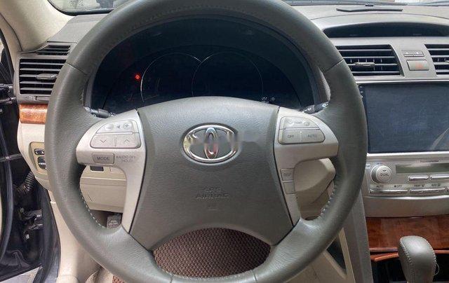 Cần bán gấp Toyota Camry năm sản xuất 2011, xe chính chủ giá ưu đãi6