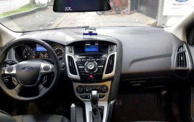 Cần bán Ford Focus đời 2013, màu bạc3