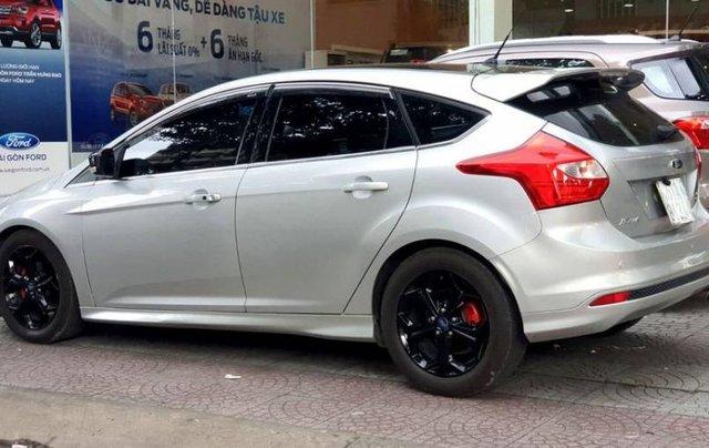 Cần bán Ford Focus đời 2013, màu bạc2