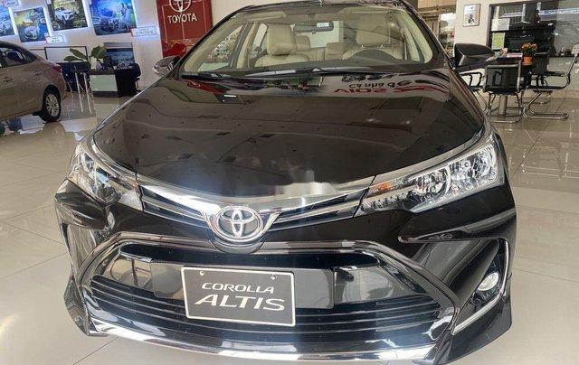 Cần bán Toyota Corolla Altis đời 2021, màu đen0