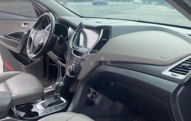Bán Hyundai Santa Fe sản xuất năm 2017, màu đen, 865 triệu7