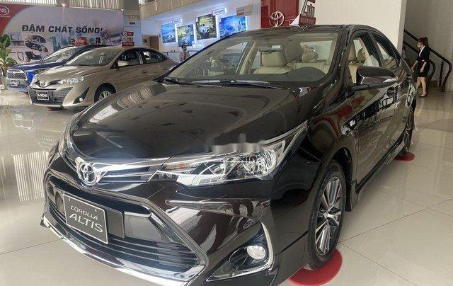 Cần bán Toyota Corolla Altis đời 2021, màu đen7
