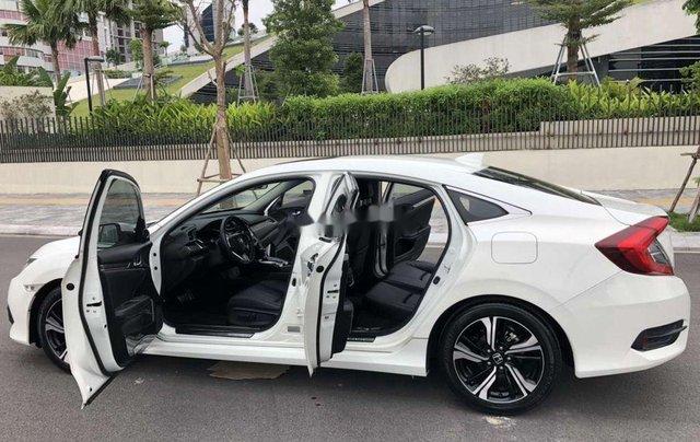 Cần bán xe Honda Civic năm 2017, màu trắng, xe nhập 7