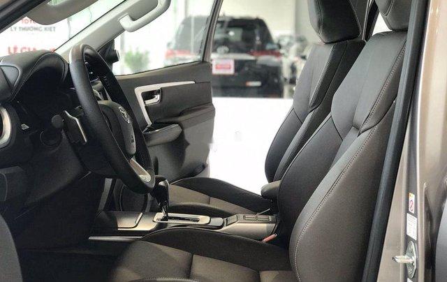 Bán Toyota Fortuner năm sản xuất 2020, số tự động, màu ghi xám7