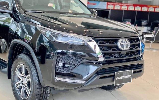 Toyota Fortuner 2021 đủ màu giao ngay, giảm 50% trước bạ, khuyến mãi khủng3