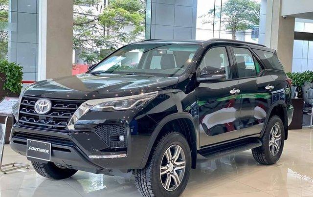 Toyota Fortuner 2021 đủ màu giao ngay, giảm 50% trước bạ, khuyến mãi khủng0