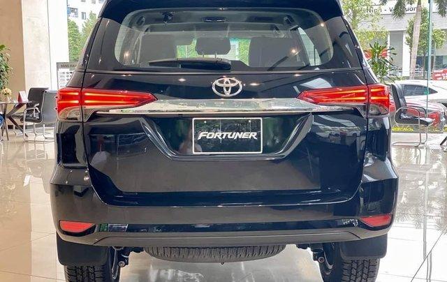 Toyota Fortuner 2021 đủ màu giao ngay, giảm 50% trước bạ, khuyến mãi khủng4