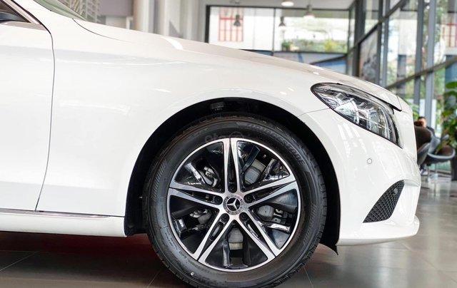 Mercedes-Benz C180 2020 giá tốt nhất, hỗ trợ 50% thuế trước bạ, tặng 1 năm bảo hiểm thân vỏ, 2 năm bảo dưỡng3