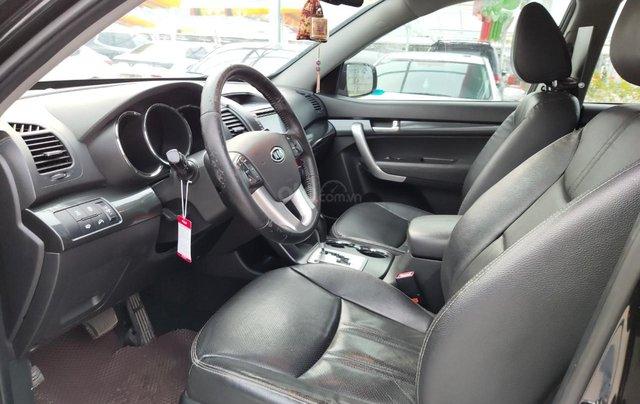 Cần bán xe Kia Sorento đời 2015, màu đen, số tự động5