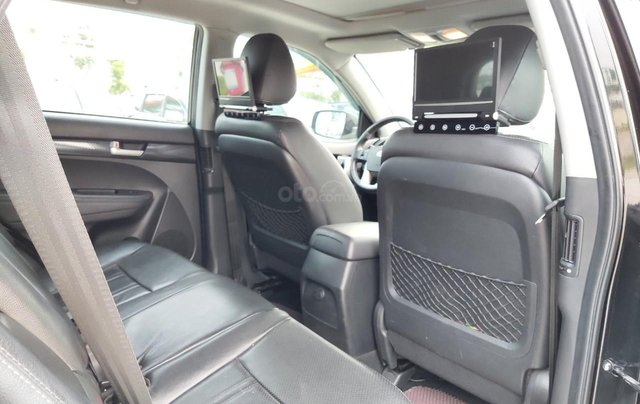 Cần bán xe Kia Sorento đời 2015, màu đen, số tự động6
